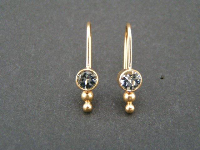 efd32cf8144 Aquamarin guld øreringe. Små enkle øreringe i 18 karat ...